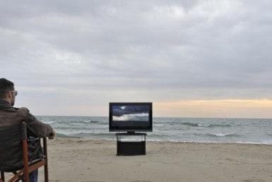 Televisie op Curaçao: Noodzakelijk of een overbodige luxe?